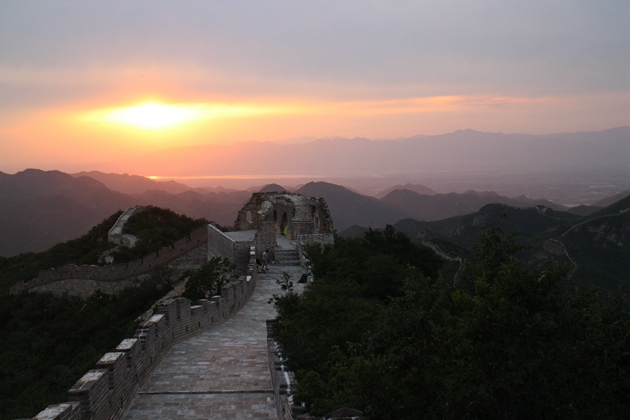 Get ready to pitch your tent right here on our favourite sunset Great wall camping spot