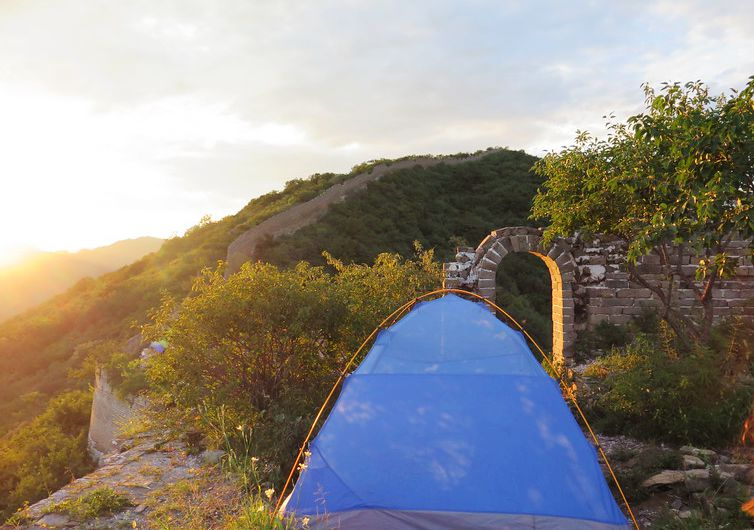 Great wall trekking ; great wall camping